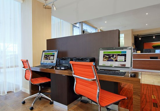 ลินด์เฮิรสต์, นิวเจอร์ซีย์: Business Center