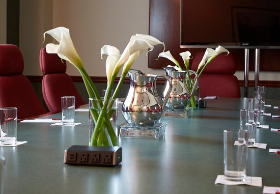 Warrensville Heights, OH: Executive Boardroom