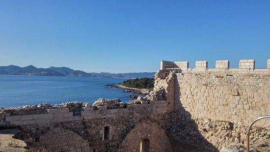 French Riviera - Cote d'Azur, France: monastère fortifié