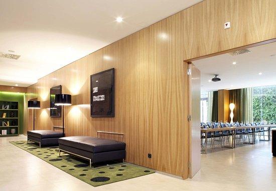 Zizur Mayor, Spain: Foyer