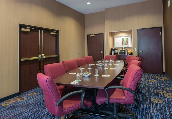 Raynham, MA: Meeting Room B