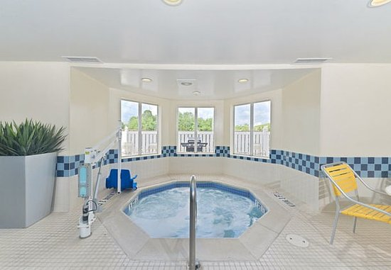 Smyrna, TN: Indoor Whirlpool