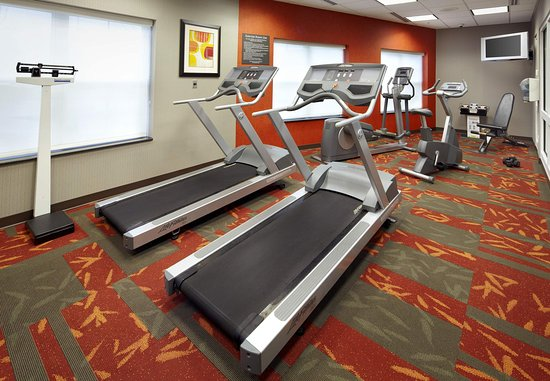 East Rutherford, NJ: Fitness Center