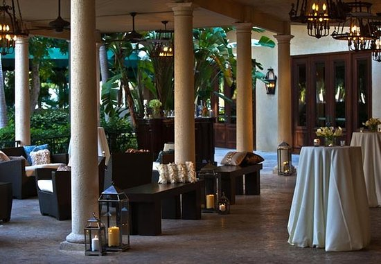 Renaissance Boca Raton Hotel: Veranda – Social Gathering