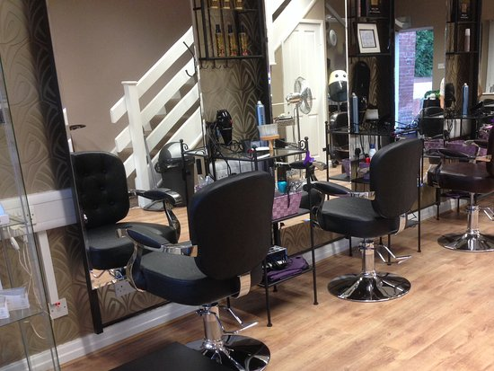 Walkden, UK: Salon ground floor with , beauty nails and tanning 1st floor