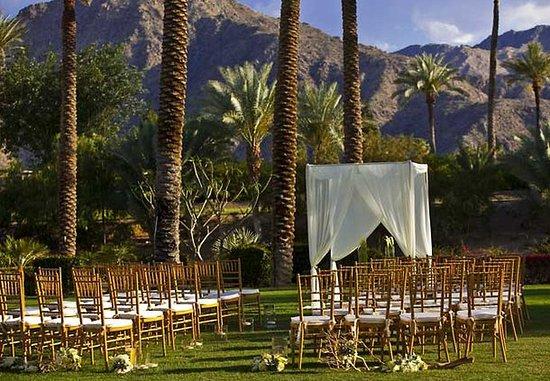 Indian Wells, كاليفورنيا: Rose Lawn Ceremony