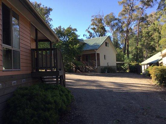 Entrance - Picture of Emerald Creek Cottages - Tripadvisor