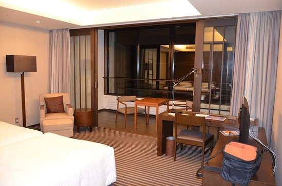 Hyatt Regency Hakone Resort and Spa: chambre deluxe et terrasse
