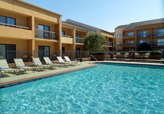 Hoover, AL: Outdoor Pool