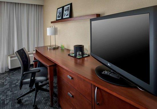 Andover, MA: Suite Work Area