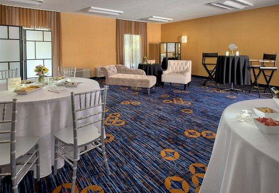 Andover, MA: Bridal Dressing Room