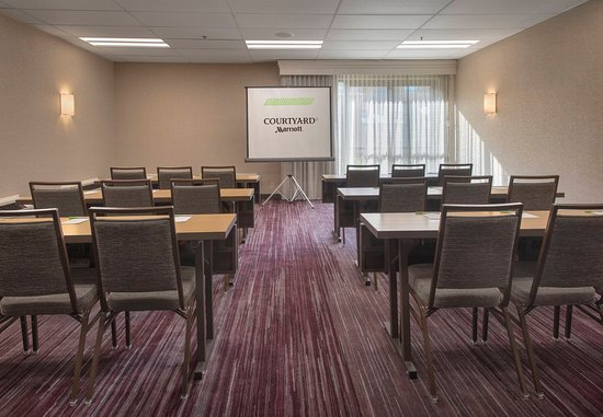 Rye, نيويورك: Meeting Room - Classroom Setup