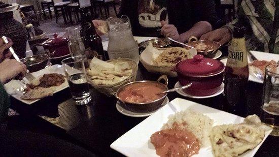Killorglin, Ireland: Unterschiedliche Hauptgerichte mit vielen Beilagen