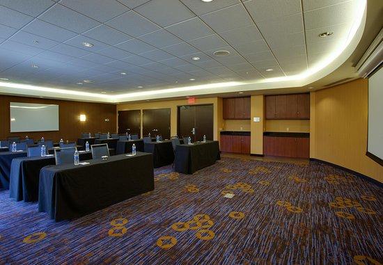 Farmingdale, NY: Runway Meeting Room – Classroom Setup