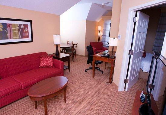 มิดเดิลเบอรี, เวอร์มอนต์: King Suite Living Room