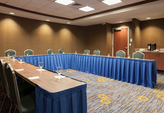 Malvern, PA: Meeting Room – U-Shape Setup