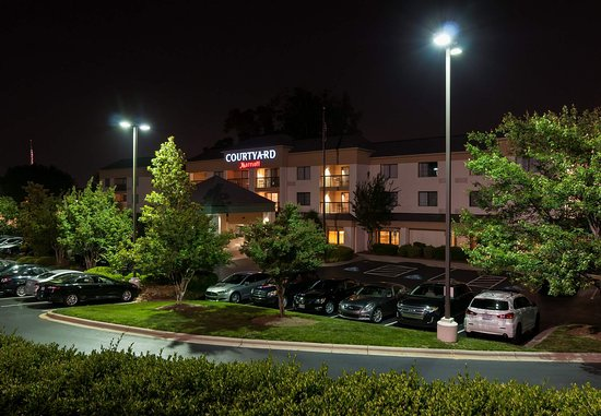 Photo of Courtyard Charlotte Lake Norman Huntersville