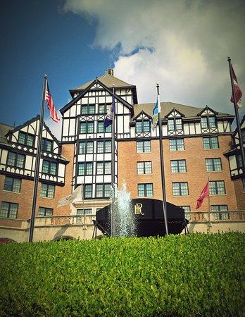 The Hotel Roanoke & Conference Center, Curio Collection by Hilton: Curio Exterior