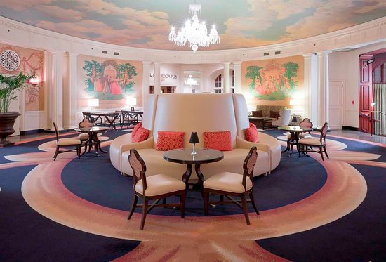 The Hotel Roanoke & Conference Center, Curio Collection by Hilton: Historic Palm Court
