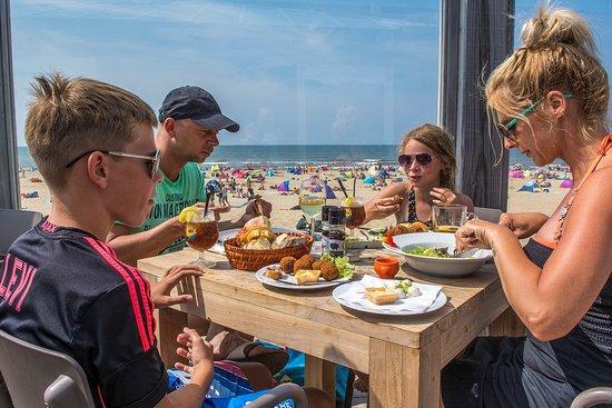De Koog, Paesi Bassi: Paal 17 Aan Zee, heerlijk vertoeven op het terras