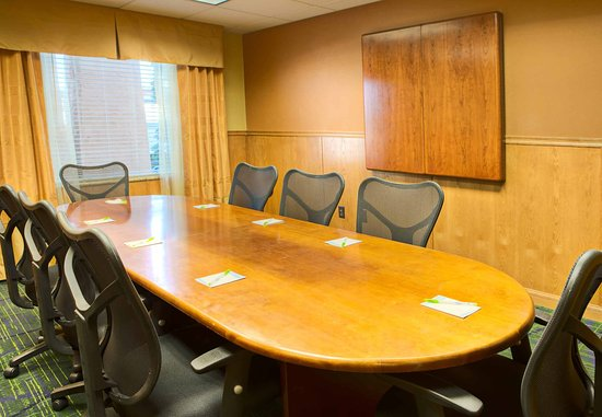 San Angelo, TX: Executive Boardroom
