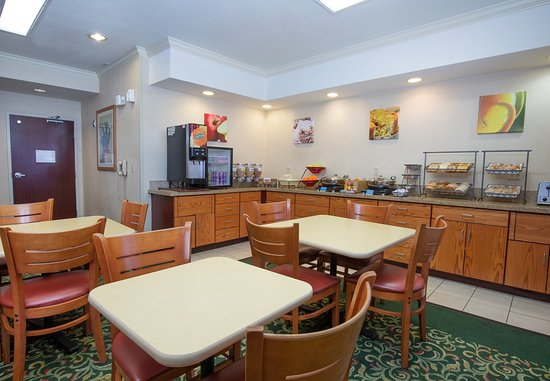 Vacaville, Kaliforniya: Breakfast Dining Area