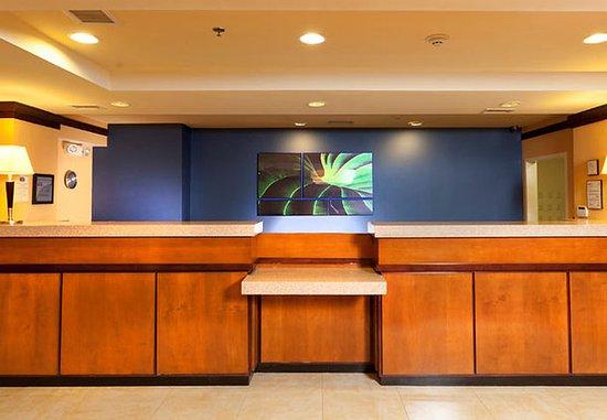 เล็กซิงตันพาร์ก, แมรี่แลนด์: Front Desk
