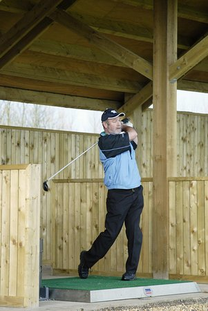 Templepatrick, UK: Golfer at Driving Range