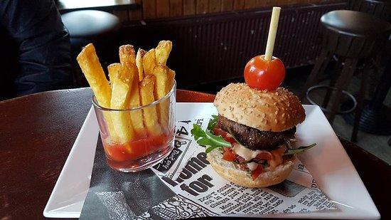 Ridderkerk, The Netherlands: Mini burger
