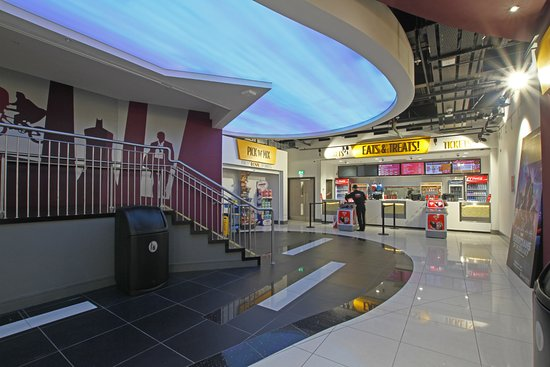 Drogheda, Irlanda: The ARC Cinema Lobby Area