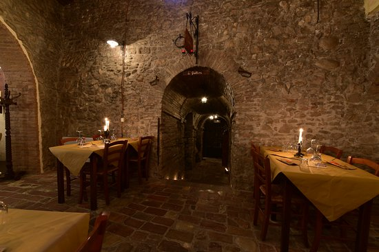 Montescudo, Italia: Entrata Grottine (foto 1)