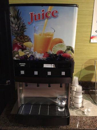 Covington, VA: Hot breakfast, cozy rooms, which Hotel am I at?