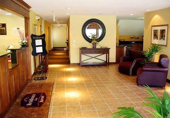 Residence Inn Milwaukee Brookfield: Lobby