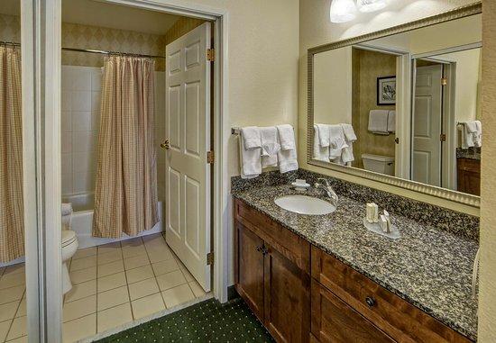 Southaven, MS: Suite Bathroom
