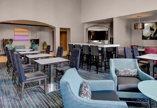 Mentor, Ohio: Lobby Dining Area