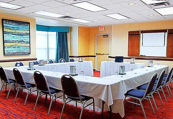 Mentor, OH: Erie Meeting Room