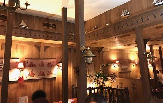 Chez Suzette: Love the interior