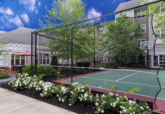 Westford, ماساتشوستس: Sport Court