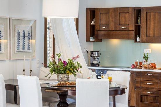 Almyrida, Hellas: Anemos Villa - Kitchen Area Classical Refined Elegance