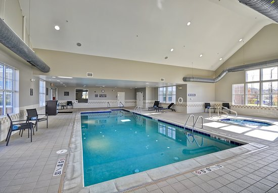 O'Fallon, MO: Indoor Pool & Hot Tub