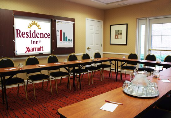 Avon, CT : Meeting room