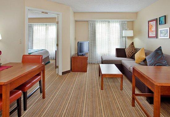 Stafford, TX: One-Bedroom Suite