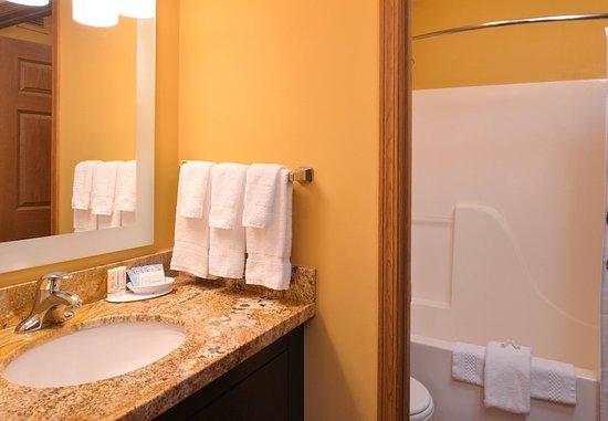 Saint Charles, MO: Two-Bedroom Suite - Bathroom