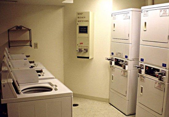 Horsham, PA: Laundry Facilities