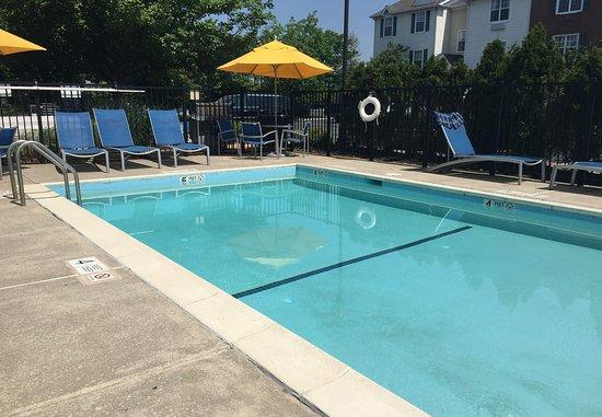 Horsham, PA: Outdoor Pool