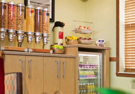 Livonia, MI : Breakfast Area