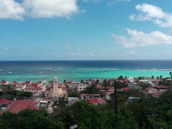 Capesterre, Guadalupe: panorama dalla piscina