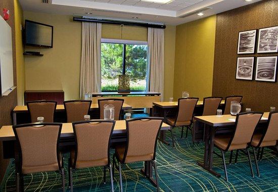 Medford, OR: Meeting Room – Classroom Setup
