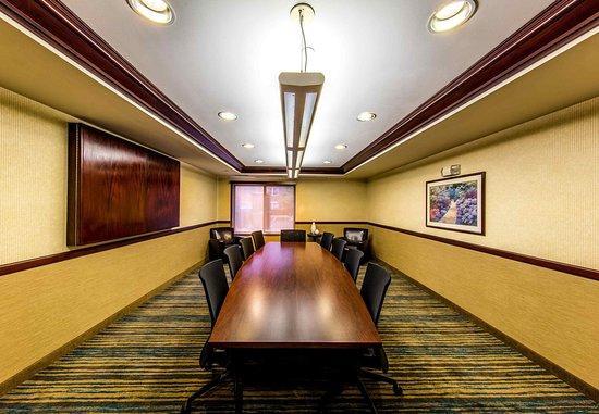 Eden Prairie, MN: Boardroom