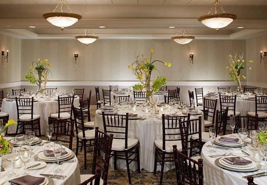 พิตต์สฟอร์ด, นิวยอร์ก: Monterey Ballroom